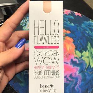 Benefit Makeup - BNWOT 🌺 benefit liquid foundation hello flawless